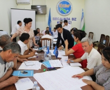 Namangan hosts training workshop for party activists
