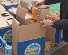 Deputy from Bukhara distributes food products to those in need